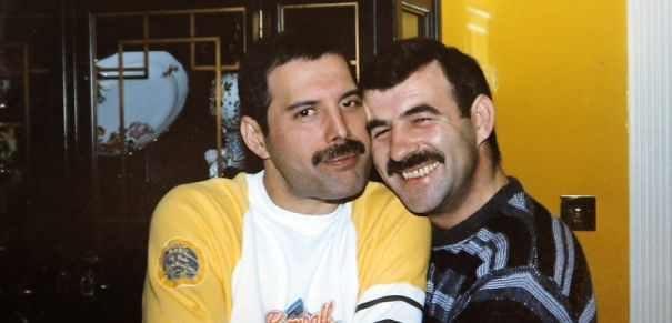 freddie-mercury-jim-hutton-candid-photos-23-592d50c6660d0-png__605.jpg